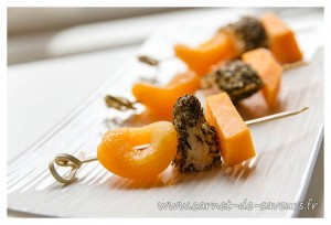 brochettes_mimolette_abricot_poulet
